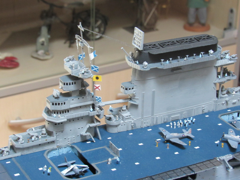 USS CV-2 LEXINGTON  CARRIER 05/1942 au 1/350° de Trumpeter - Page 2 Img_0618
