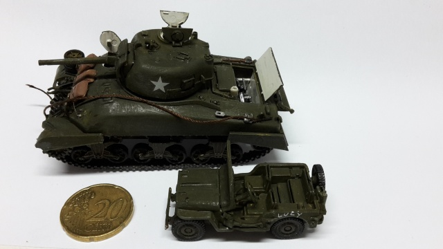 Sherman M4-A1 --ESCI 1/72 plus Jeep 1/4 ton Italeri 1/72 ----FINI------ 20160612