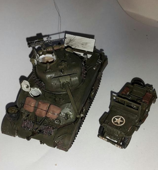 Sherman M4-A1 --ESCI 1/72 plus Jeep 1/4 ton Italeri 1/72 ----FINI------ 20160616