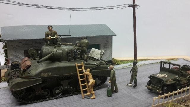 EN PANNE : Sherman M4-A1 [ ESCI ] + Jeep 1/4 t [ ITALERI ] + GMC 2,5 ton (Academy) Figurines [AIRFIX] (Diorama 1/72° FINI) 20160823