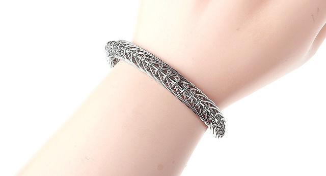 Un bracelet de Vapeur? 53284011
