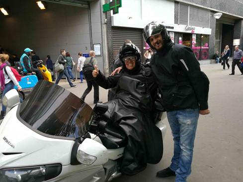 La découverte de Paris en moto-taxi GL1800 3_kcms10