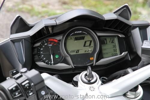 Une autre GT, la FJR1300 AS Yamaha10