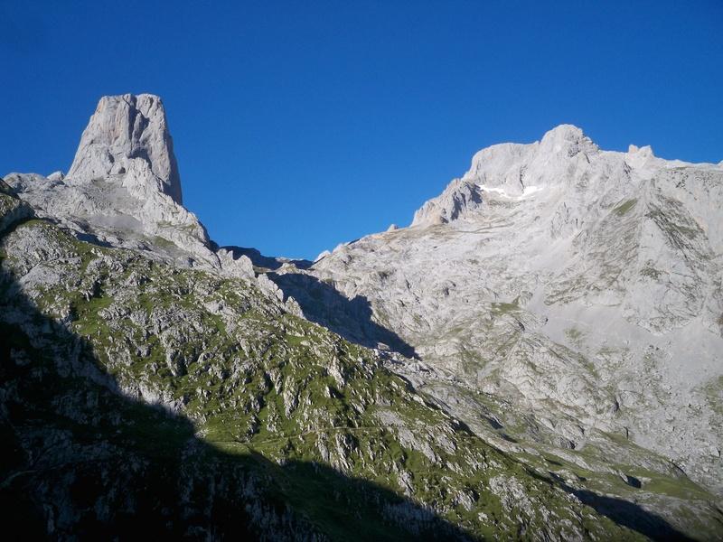 Montañismo: 5-8 de agosto 2016 - Macizo central de Picos de Europa 005_ur12