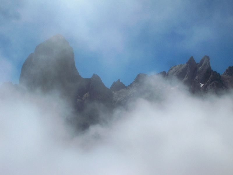Montañismo: 5-8 de agosto 2016 - Macizo central de Picos de Europa 011_gr10