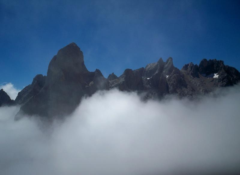 Montañismo: 5-8 de agosto 2016 - Macizo central de Picos de Europa 013_gr10