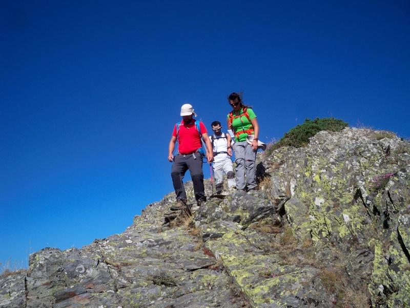 Montañismo: sábado 30 de julio 2016 - Cresta del Dragón y Pico Atalaya (Ayllón) 015_cr10