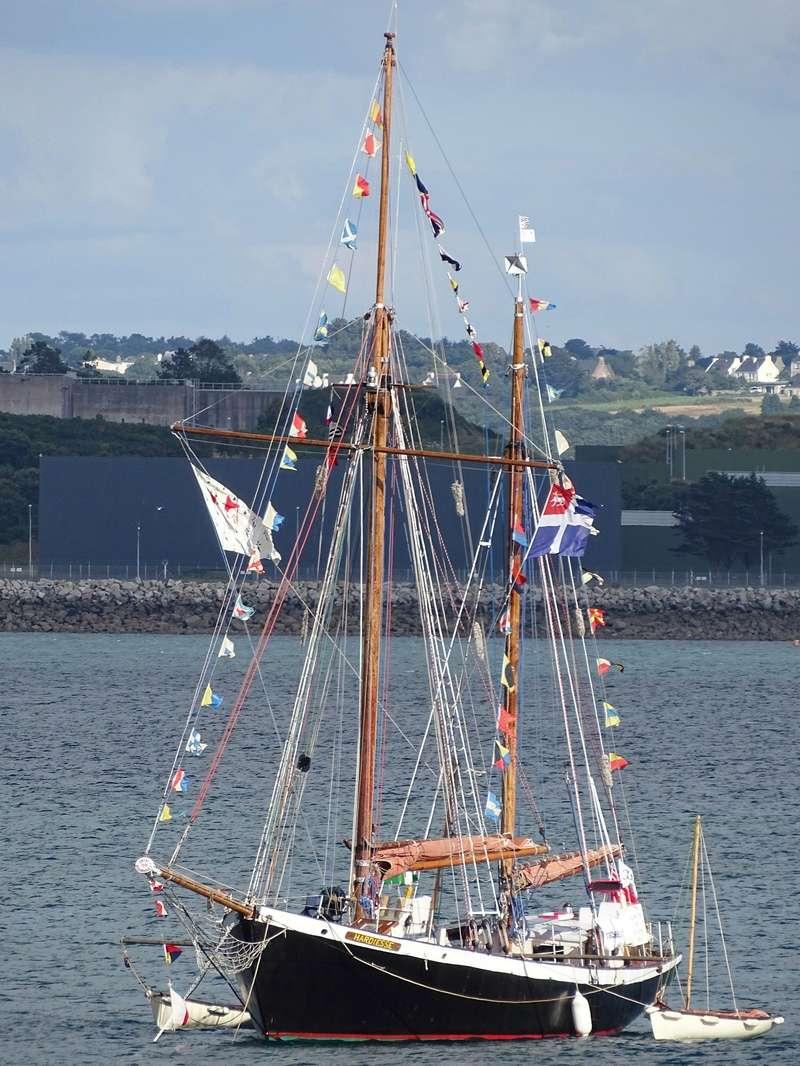 [ Marine à voile ] Vieux gréements - Page 3 Roscan10