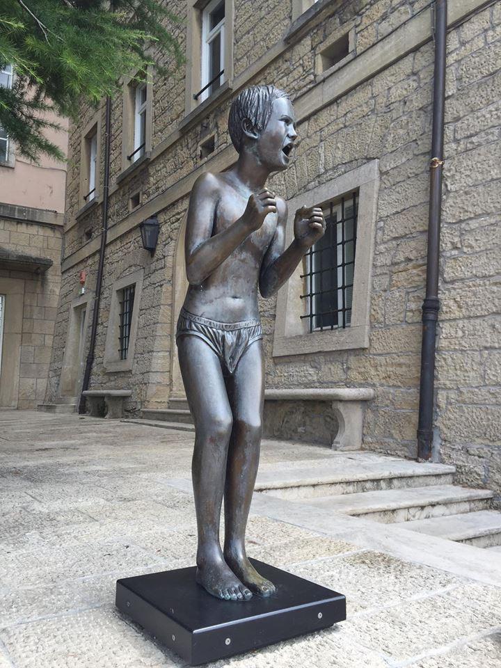 Городские скульптуры - Страница 3 Ei10