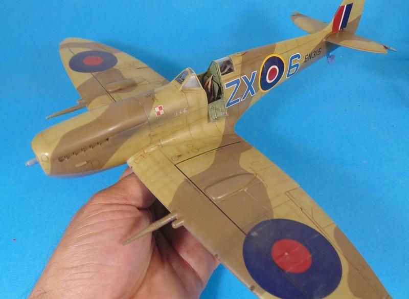spitfire mk IX tamiya 1/32 Dsc03130