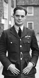 Douglas BADER : le pilote cul de jatte de la RAF 129