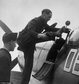 Douglas BADER : le pilote cul de jatte de la RAF 132