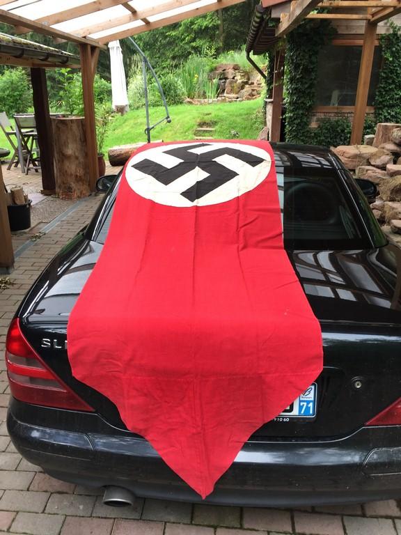 authentification d'un drapeau allemand Img_7511