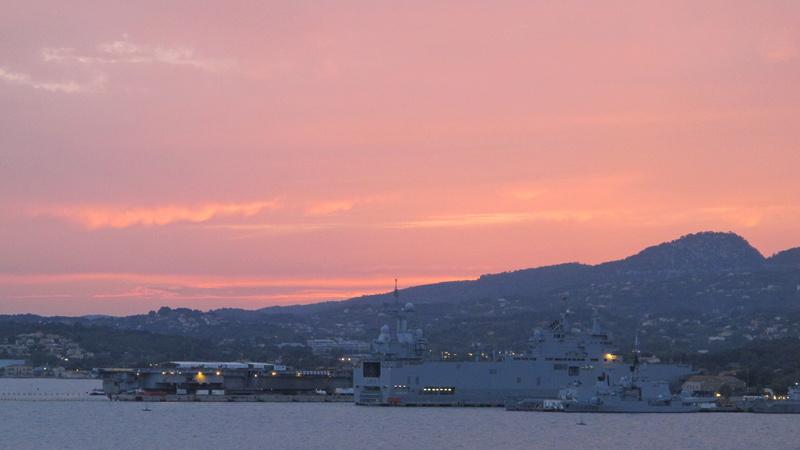 [Les Ports Militaires de Métropole] Visite de la rade de Toulon - Page 7 Corse_27
