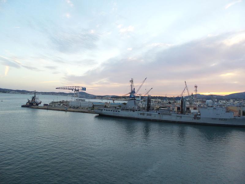 [Les Ports Militaires de Métropole] Visite de la rade de Toulon - Page 7 Corse_28