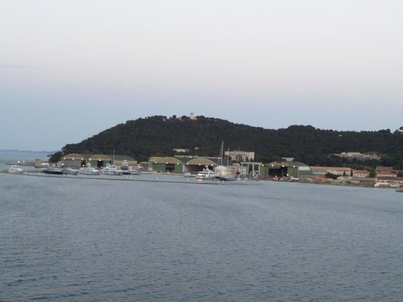 [Les Ports Militaires de Métropole] Visite de la rade de Toulon - Page 7 Corse_33
