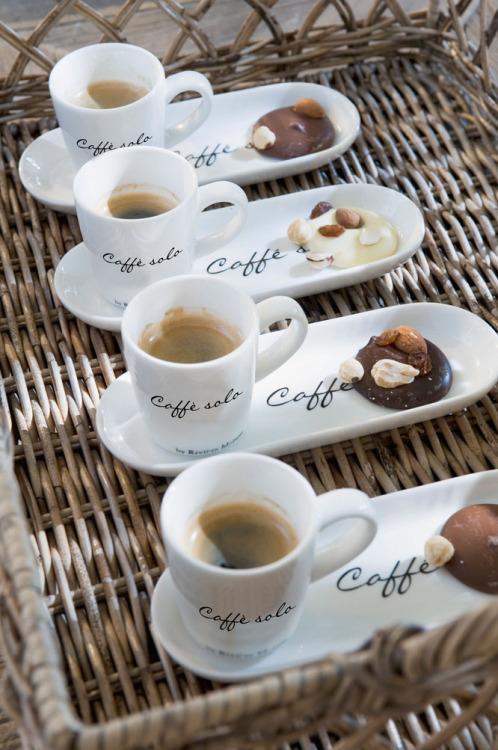 TASSES DE CAFE - Page 37 Caf_q10