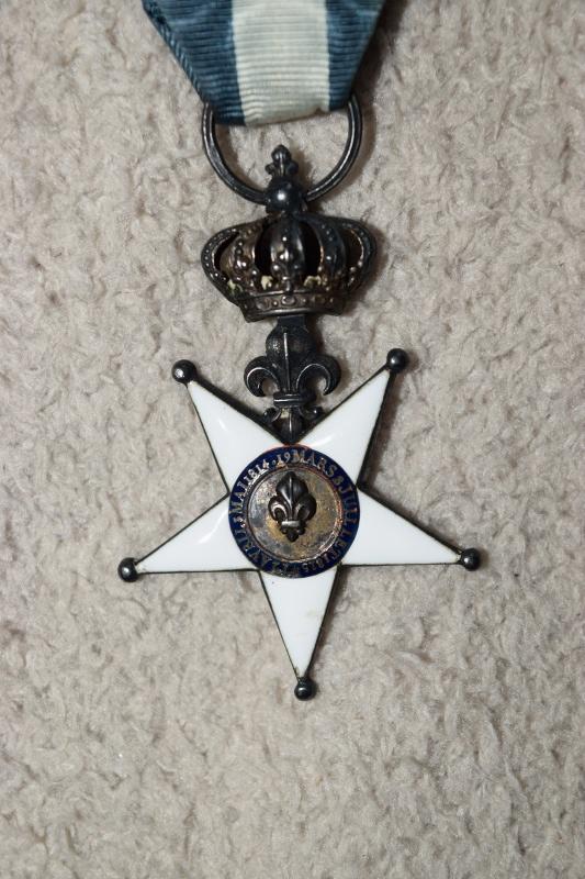 Légion d'Honneur et Ordre du Lys Restauration. Dsc_0212
