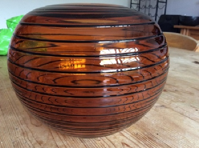 anyone identify maker of this amber ovoid art glass bowl Img_1211