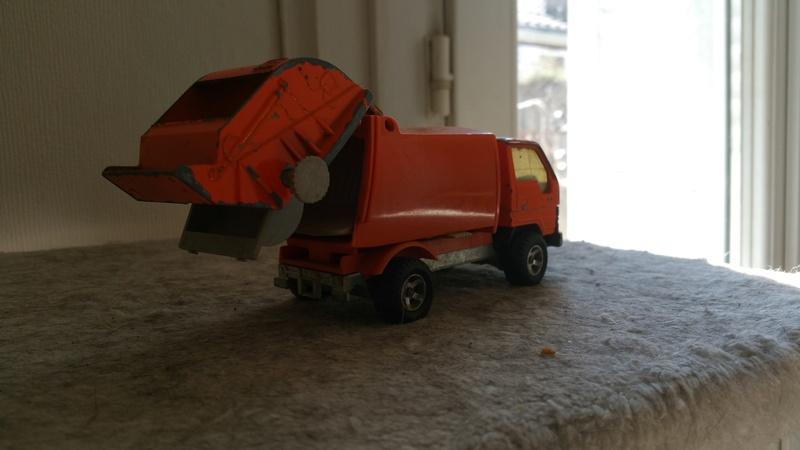 N°3037 Toyota Benne ordures 20160834