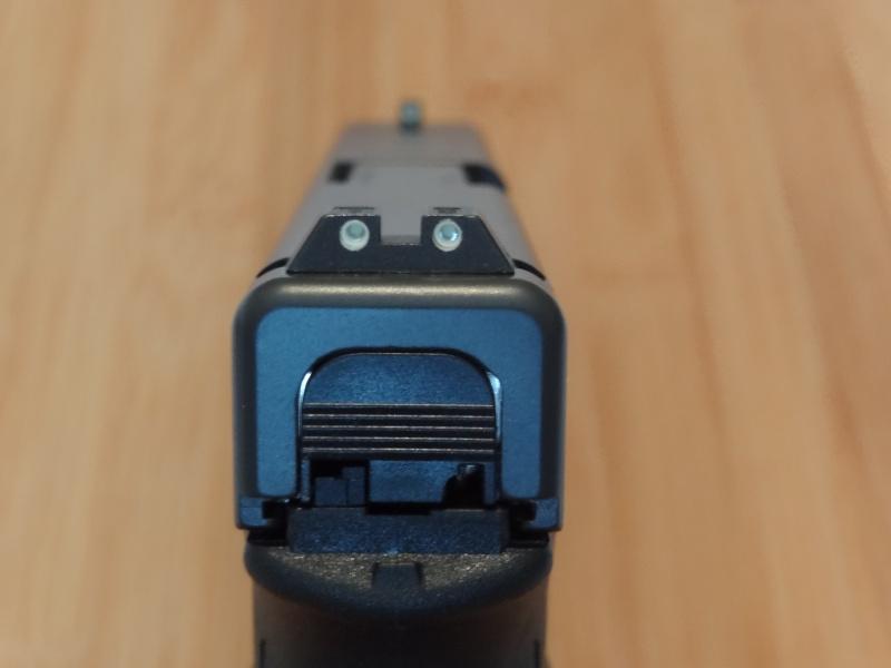 Glock 20 gen 4 (et Side by Side G22 gen 3) Dsc09713