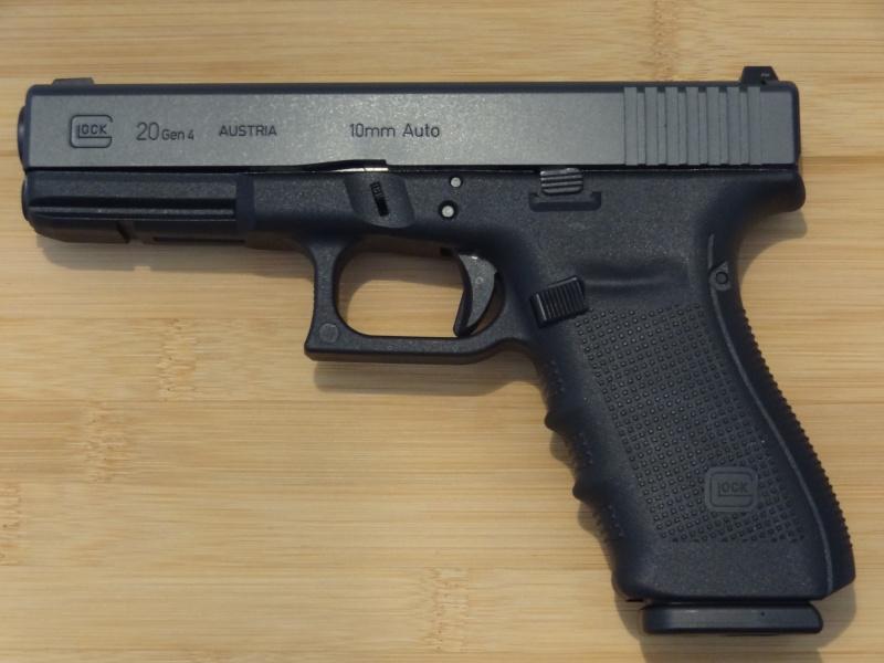 Glock 20 gen 4 (et Side by Side G22 gen 3) Dsc09716