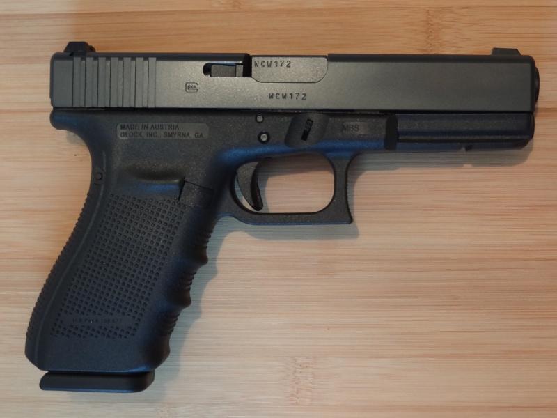 Glock 20 gen 4 (et Side by Side G22 gen 3) Dsc09721