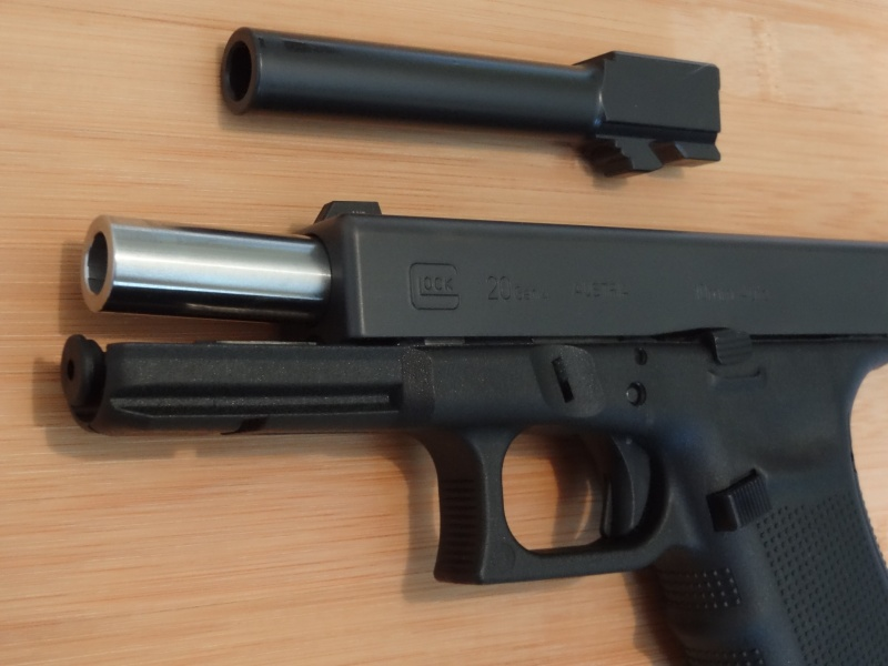 Glock 20 gen 4 (et Side by Side G22 gen 3) Dsc09731