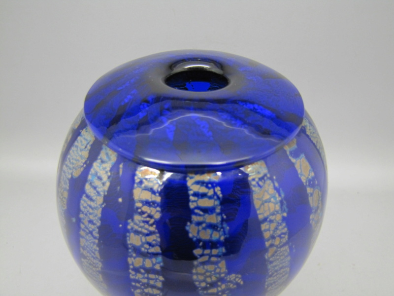 Blue Murano glass vase Signed but unrecognisable .. help please 00310
