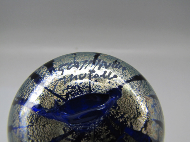 Blue Murano glass vase Signed but unrecognisable .. help please 00711