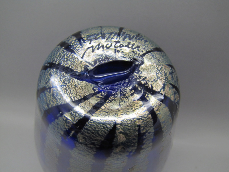 Blue Murano glass vase Signed but unrecognisable .. help please 00810