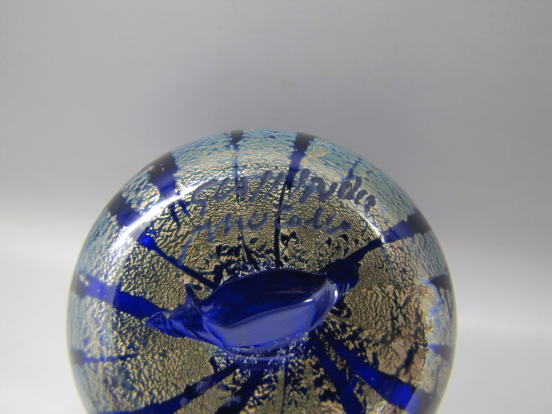 Blue Murano glass vase Signed but unrecognisable .. help please 00910