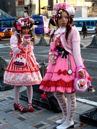 [Société] Lolita et Gyaru Decolo10