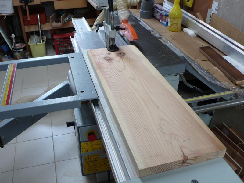 Escalier provisoire devenu définitif en pin sylvestre, à double balancements - Page 3 L1040616