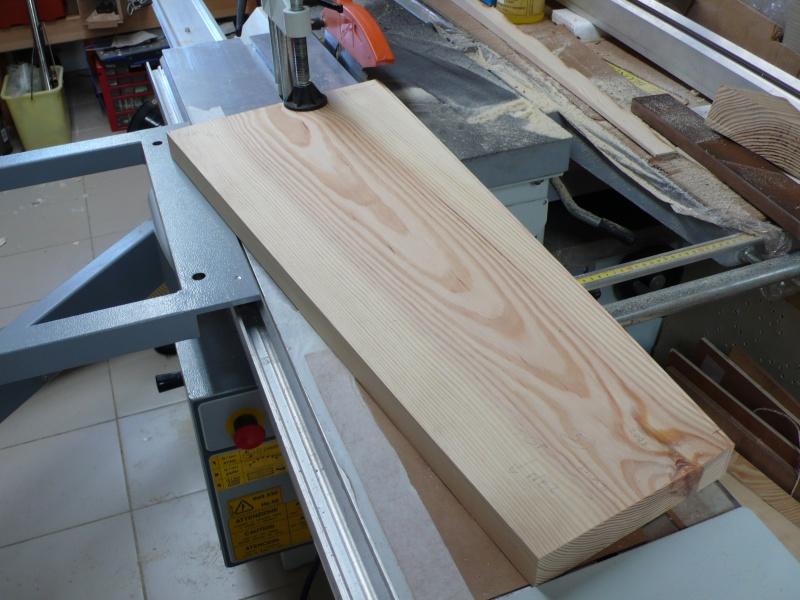 Escalier provisoire devenu définitif en pin sylvestre, à double balancements - Page 3 L1040622