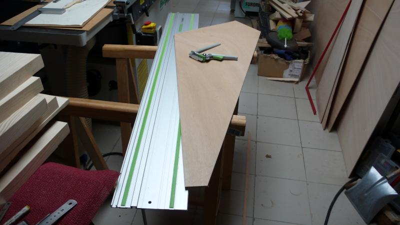 Escalier provisoire devenu définitif en pin sylvestre, à double balancements - Page 3 L1040713