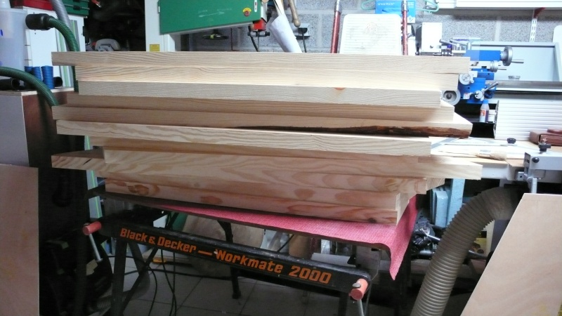 Escalier provisoire devenu définitif en pin sylvestre, à double balancements - Page 3 L1040721