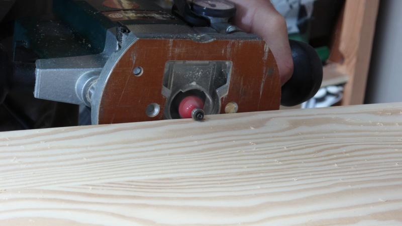 Escalier provisoire devenu définitif en pin sylvestre, à double balancements - Page 3 L1040731