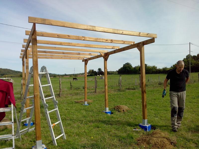 construire un abri dans un pré  2015-116