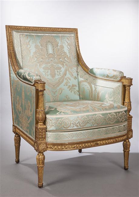 Du faux mobilier à Versailles ?  13-60510