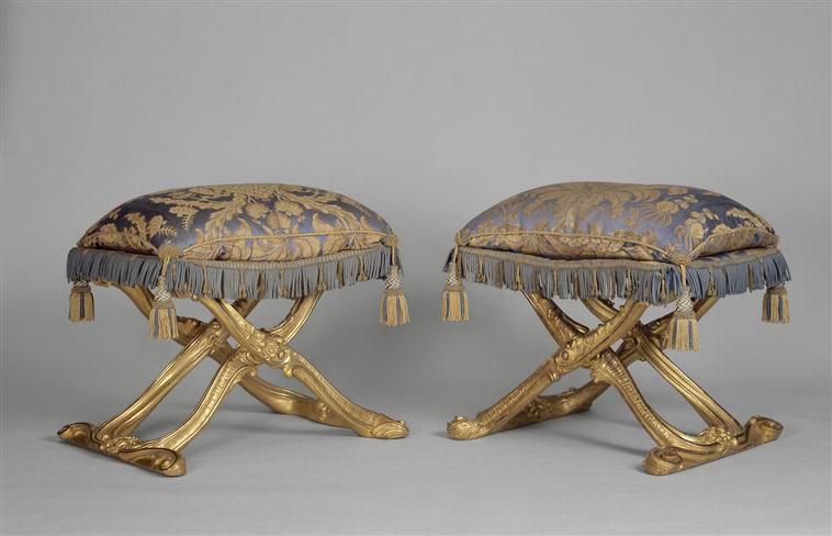Du faux mobilier à Versailles ?  80-00110