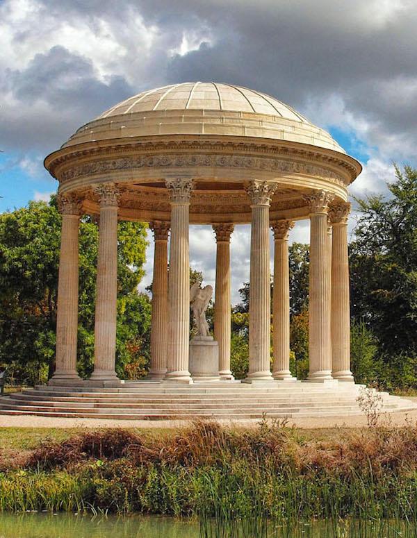Le sculpteur Edme Bouchardon, une idée du beau. Temple10