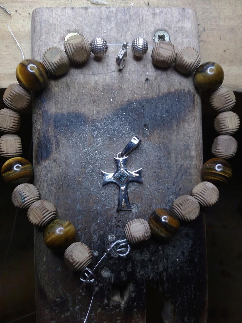 Pendentif pour un bracelet, où le placer? Img_2019