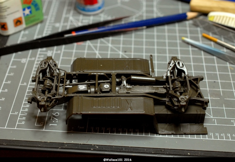 Hummer with M242 Bushmaster (Tamya 1/35, PANZER ART) pré-assemblage de la caisse Dsc_0515