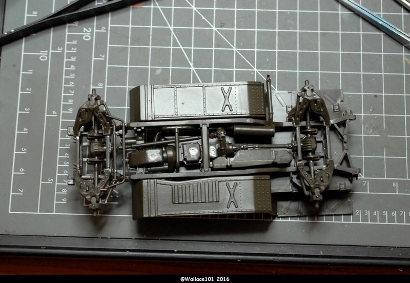 Hummer with M242 Bushmaster (Tamya 1/35, PANZER ART) pré-assemblage de la caisse Dsc_0516