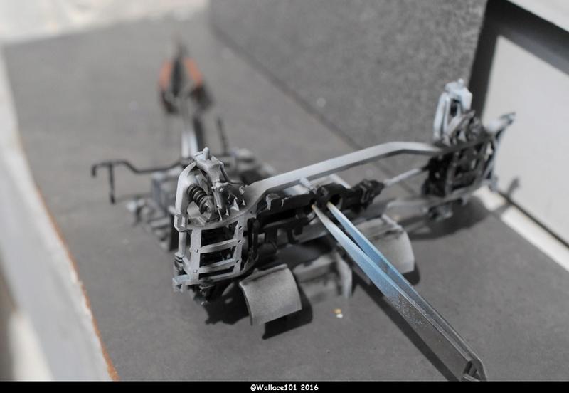 Hummer with M242 Bushmaster (Tamya 1/35, PANZER ART) pré-assemblage de la caisse Dsc_0523