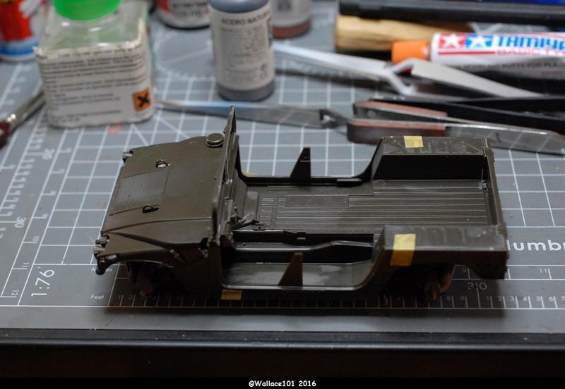 Hummer with M242 Bushmaster (Tamya 1/35, PANZER ART) pré-assemblage de la caisse Dsc_0533