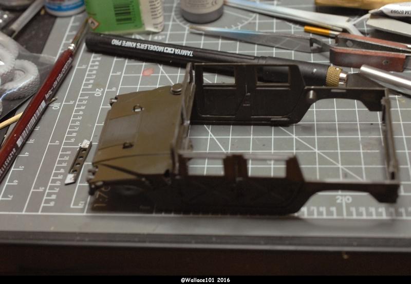 Hummer with M242 Bushmaster (Tamya 1/35, PANZER ART) pré-assemblage de la caisse - Page 2 Dsc_0537