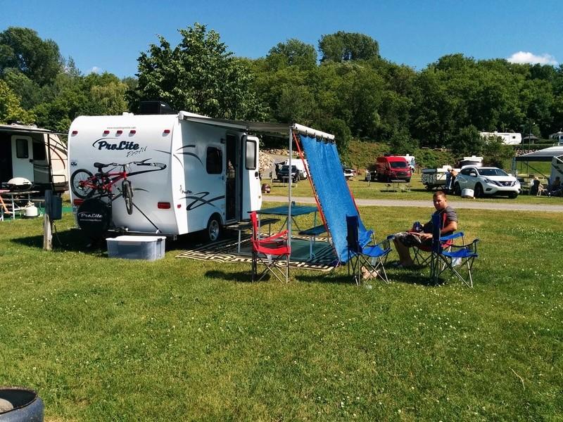 Camping Cap à la Roche (Deschaillons-sur-Saint-Laurent) 13647111