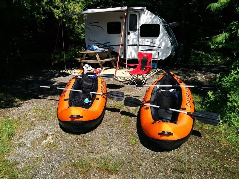 2 kayaks gonflables **vendu** 14152010